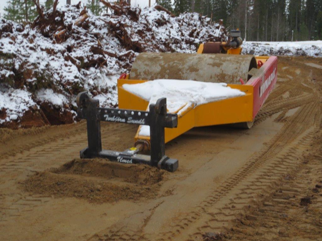 Traktordragen vält 6 ton